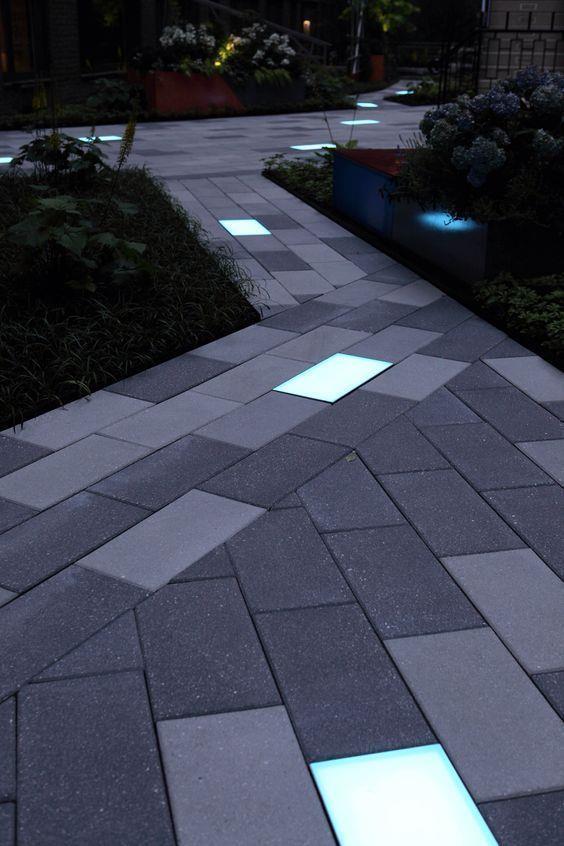 地面铺装和灯光