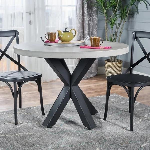 现代轻质混凝土圆形餐桌