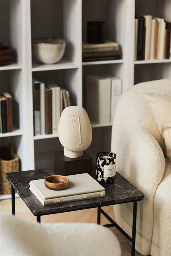 沙发边上的装饰