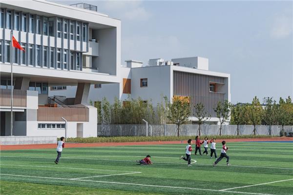 华东师范大学第二附属中学前滩学校