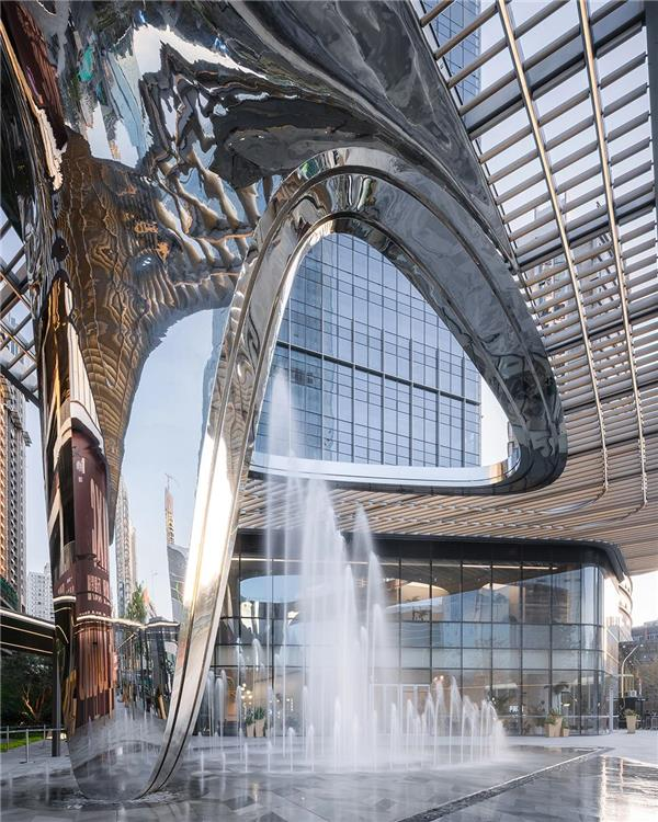 10 Design 设计的深圳华润置地笋岗中心主入口雕塑型顶篷已完成建设_3623039