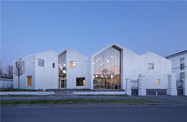 建筑疗愈,让美丽重新绽放——震后重建系列项目 · 社会健康中心