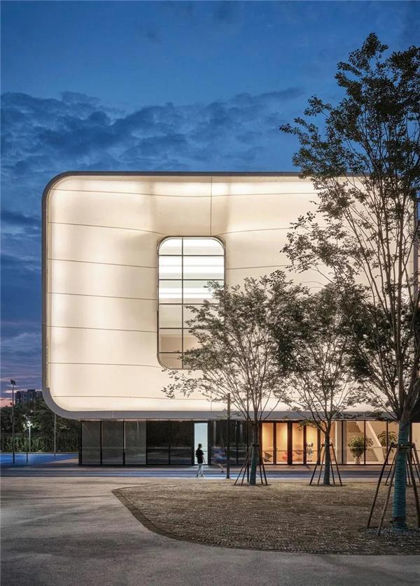 上海青浦平和运动中心 / OPEN 建筑事务所