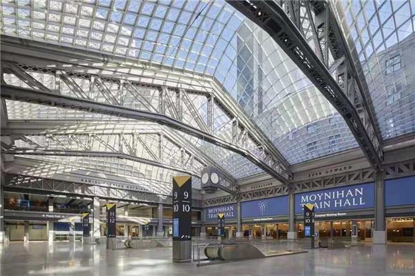 莫伊尼汉车站列车大厅