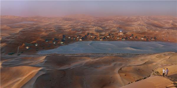 "X-Architects ""建筑星群"",沙漠中的""桃源"""
