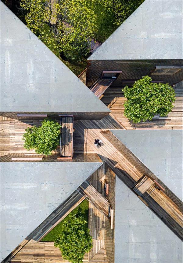 木构 和玻璃砖 | 泰国简约餐厅
