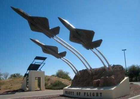 皮马航空航天博物馆雕塑小品#航空航天小品 #飞机小品 #飞机雕塑