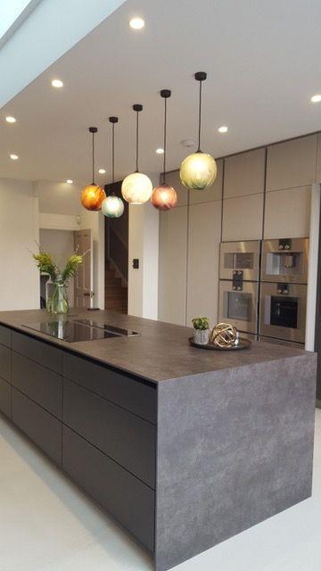 现代简约厨房灯具装修装饰#室内设计 #操作台 #橱柜