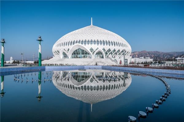 穹窿之花 – 临夏民族大剧院 / 杜兹设计