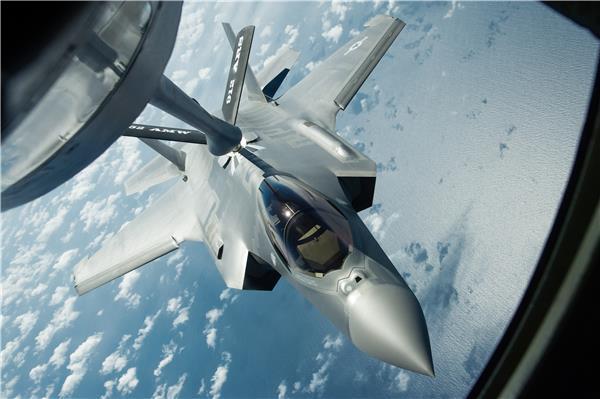 "F-35战斗机(绰号:""闪电Ⅱ"" Lightning II)"