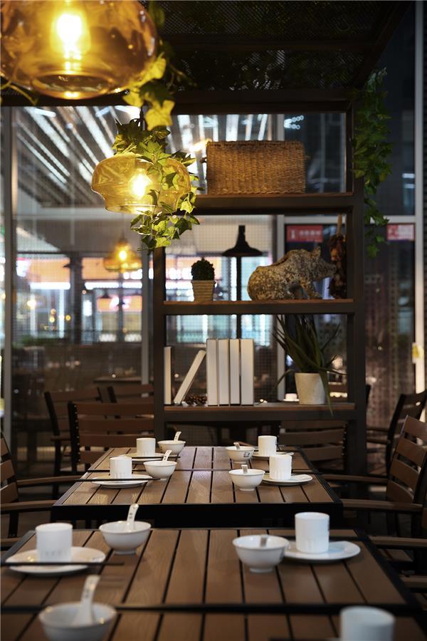 餐厅空间设计【艺鼎新作】设计一家简洁活泼的粤湘风味餐厅