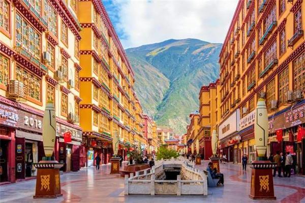 #藏式风情街 #藏民族风情街