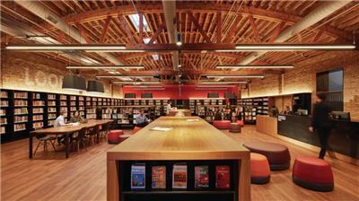 芝加哥公共图书馆西环路分馆(2020年AIA室内建筑奖)