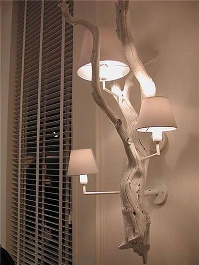 蜿蜒盘旋的树枝灯木质小品设计