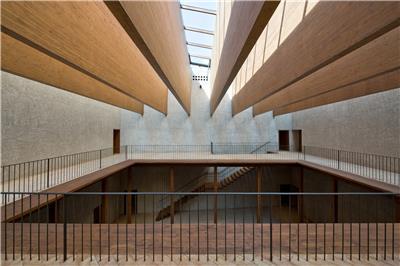西班牙豪宅修复转换文化艺术中心