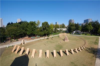 隈研吾设计了这样一套积木装置艺术作品