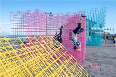 SPORTS推出彩色矩阵凉亭 为城市增添活力标签