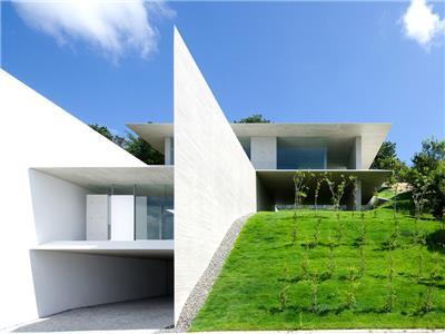 日本山区的混凝土住宅