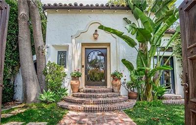 比佛利山庄浪漫的西班牙风格别墅